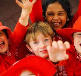 DESS glücklichste Schulen in den Vereinigten Arabischen Emiraten