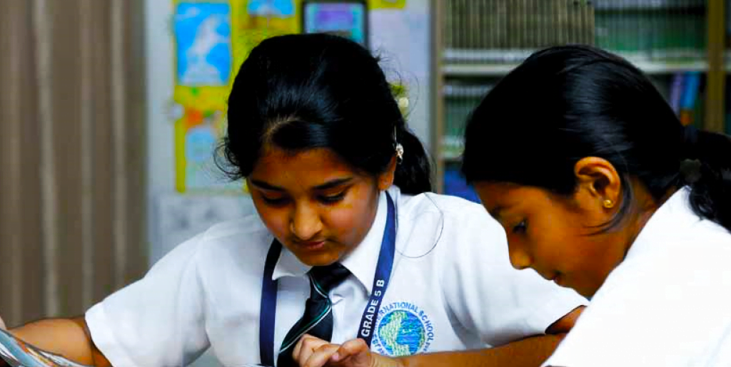 Foto von Kindern, die an der JSS International School Dubai lernen