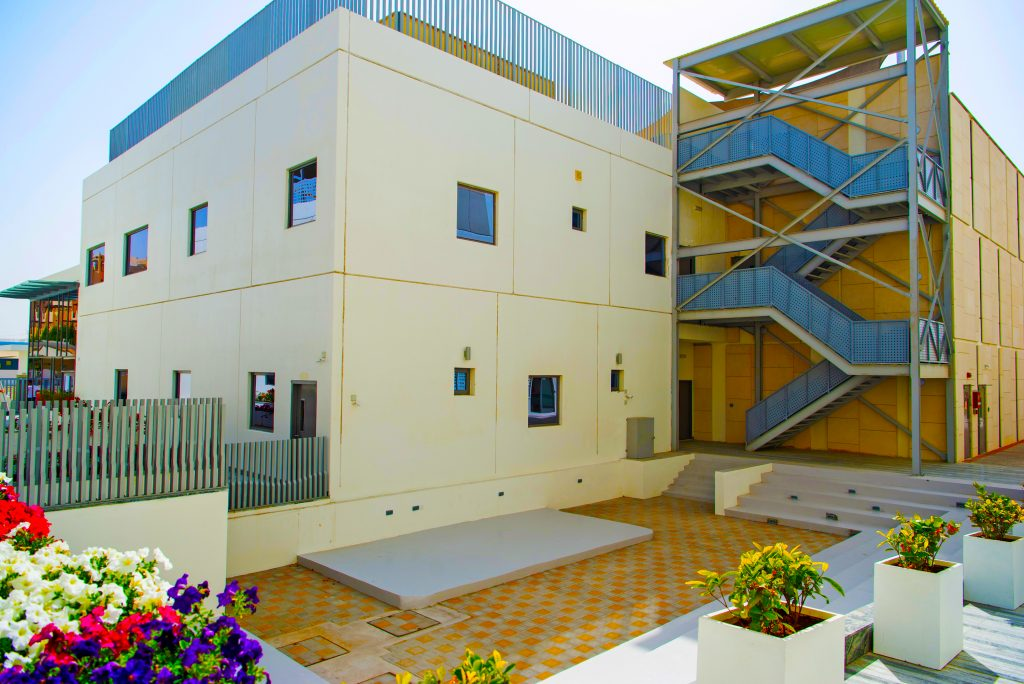 Photograph of the side vista of South View School in Dubai showcasing the attention to detail in landscaping