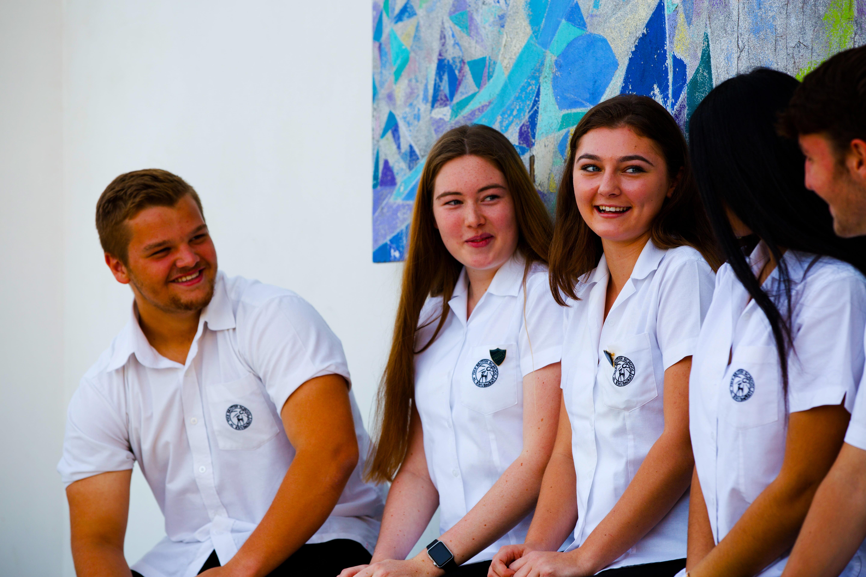 Larawan ng mga mag-aaral sa Ika-anim na Form sa British School Al Khubairat - mga nagwagi ng aming Award para sa pinakatitirang Post 16 na edukasyon na magagamit sa UAE 2019