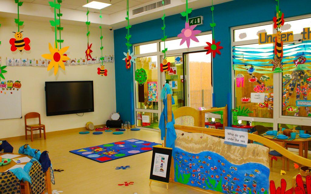 In einem der Klassenzimmer des Future International Nursery Dubai in Al Warqa werden die umfangreichen Investitionen in Ressourcen wie AV und sehr hochwertige Lehrmittel hervorgehoben.