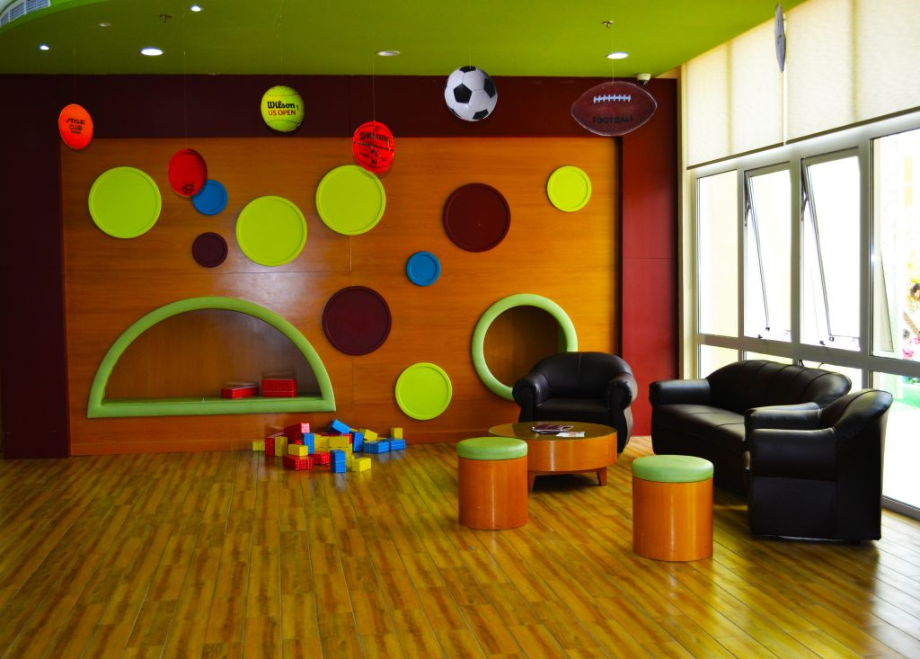 Fabelhafte Treffpunkte für Eltern gibt es zuhauf, unter anderem beim Empfang der Hauptschule im Future International Nursery in Dubai
