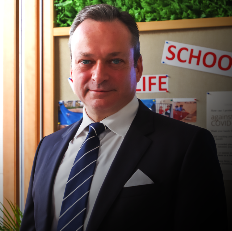 Foto von David Flint, Principal und Chief Executive Officer der South View School in Dubai, aufgenommen im April 2021