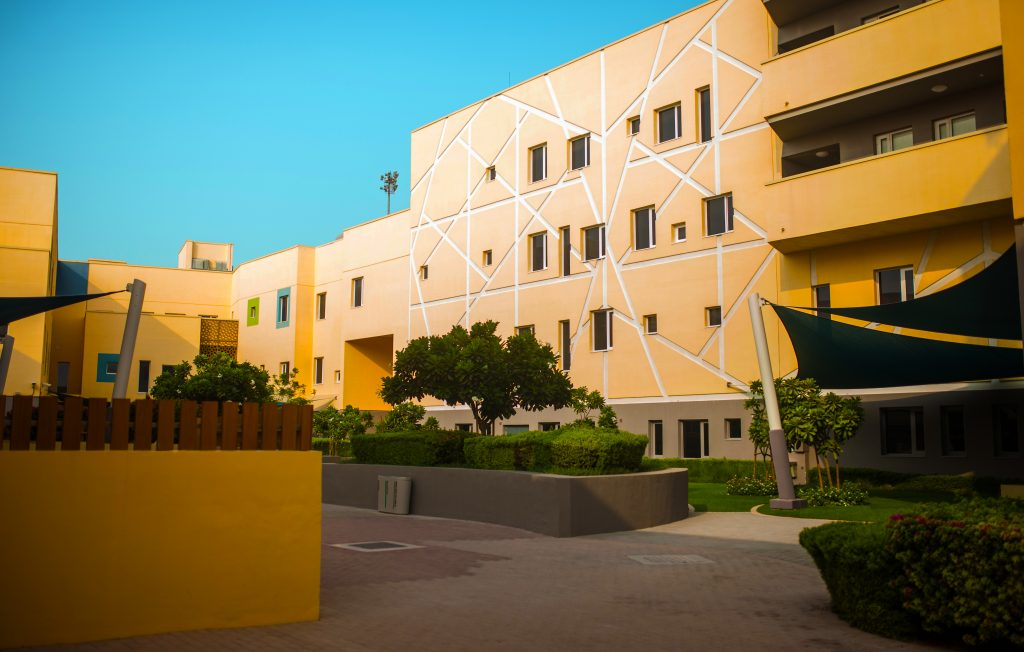 Photograph of a courtyard at the Jebel Ali School in Dubai