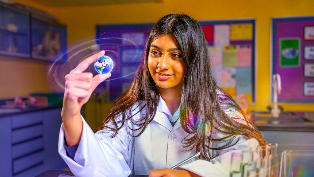 تشتهر Innoventures Education بمدارس رافلز وأكاديمية دبي الدولية. تقدم جميع مدارسها الآن منحا دراسية.