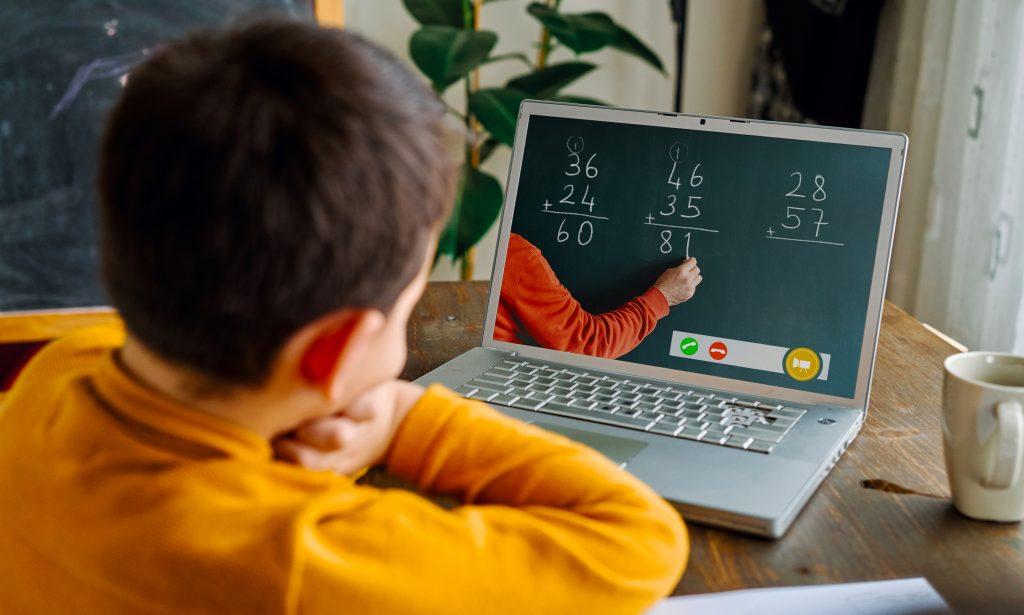 التعلم عن بعد ، التعليم المنزلي - دع المعلمين يعلمون وأولياء الأمور