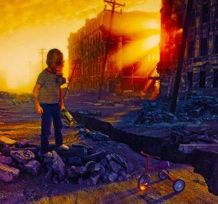 أكتب رواية تحدي الفصل 75. فتى صغير يقف وحيدا بينما ينتهي العالم. إنتهى الأمر. أو هو؟