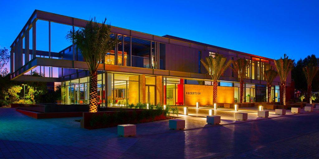 مبنى الاستقبال الجديد في كلية دبي في الإمارات العربية المتحدة